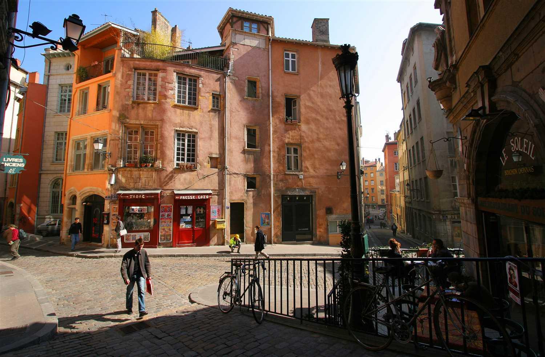 place-trinite_01_copyright-Marie-Perrin-onlylyon-tourisme-et-congres